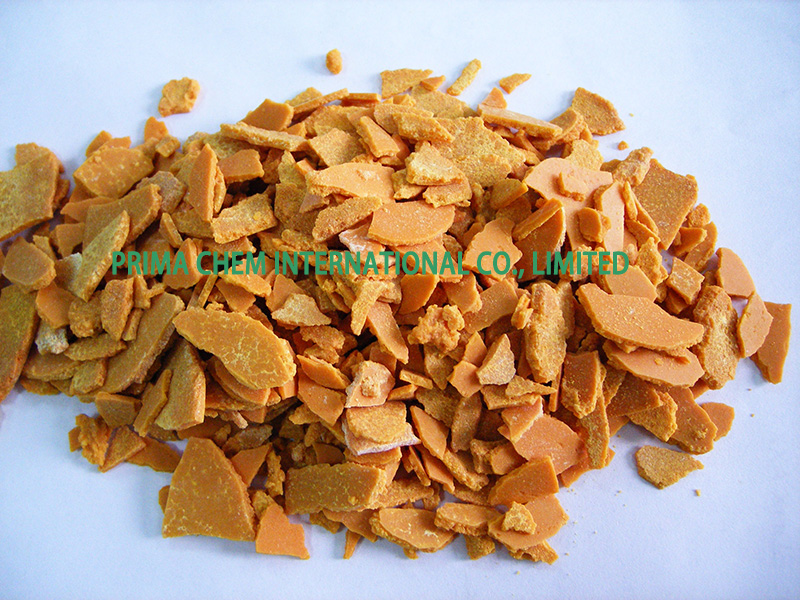 Sodium sulfide,red-yellow flakes